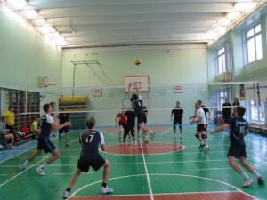 Любители волейбола разыграют переходящий кубок