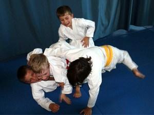 Академия боевых искусств приглашает на занятия
