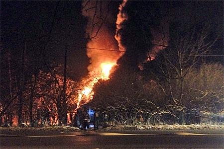 Возле 23-го микрорайона сгорел частный дом