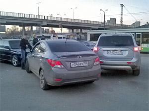 «Бомбилы» избили прохожего на Привокзальной площади