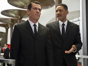 Кинопремьеры мая: «Мстители», «Дети сексу не помеха», «Люди в черном 3»