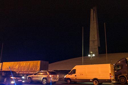 По ночам Ленинградку у «Штыков» будут сужать до одной полосы в каждую сторону