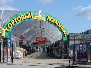 Организован временный въезд в торговый комплекс «Ржавки»