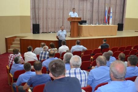 Сотрудники ГИБДД Зеленограда встретились с водителями Зеленоградского автокомбината