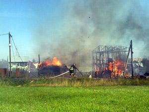 Пожар уничтожил в Брехово 16 построек