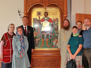 Глава МЖК подарил церкви у 14-го микрорайона храмовую икону Александра Невского