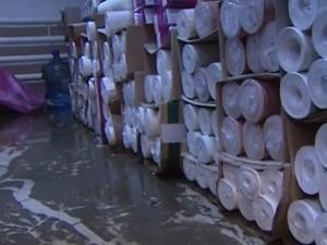 Мебельный магазин затопило сточными водами