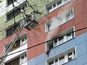 Огнеборцы потушили пожар в корпусе 909