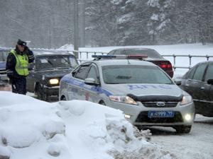 Пассажир избил «бомбилу» и угнал его машину