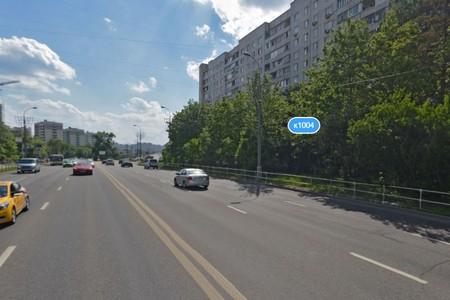 На Панфиловском проспекте сбили стоявшего на проезжей части пешехода