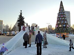 На площади Юности развернут рождественскую ярмарку с ледовым городком