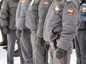 Полицейских задержали за ограбление проституток