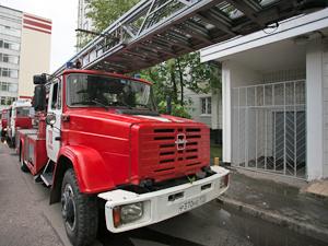 Из горящего дома в 15-м микрорайоне эвакуировали десять человек