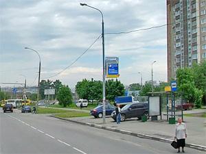 83-летняя пенсионерка пострадала при выходе из автобуса
