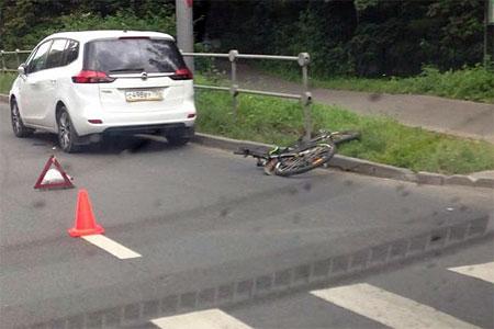 На Московском проспекте автомобиль сбил 14-летнего велосипедиста