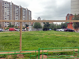 В 15-м микрорайоне приостановили строительство ТК