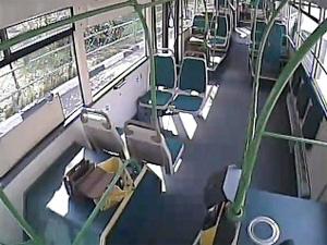 В автобусах устанавливают камеры и тревожные кнопки