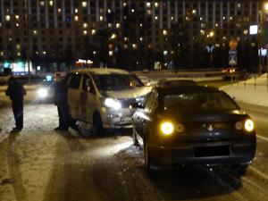Водитель без прав устроил аварию у «Флейты»