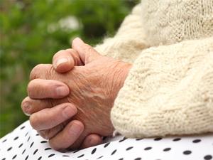 Пенсионерка дважды передала деньги телефонным мошенникам