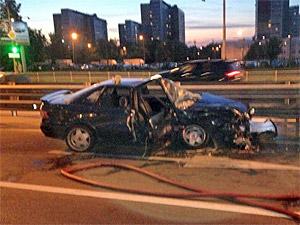 За ночь в двух авариях на одном перекрестке пострадали два человека
