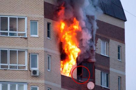В жилой высотке на улице Юности сгорела квартира