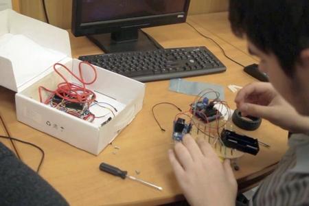 НИУ МИЭТ объявляет набор на бесплатные курсы по робототехнике для школьников