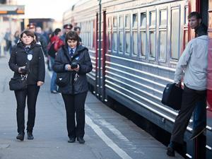 Железнодорожники собрали подписи за сохранение льгот учащимся