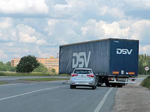 Расцепившаяся фура перекрыла часть Георгиевского шоссе