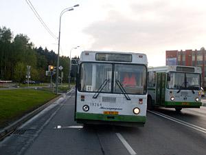 Автобус сбил велосипедистку на Солнечной аллее