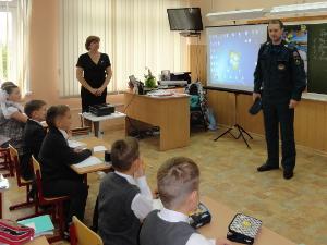 В школах Зеленограда прошли открытые уроки МЧС