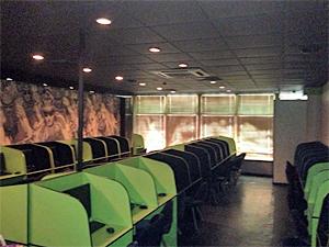 Два интернет-кафе закрылись после полицейских рейдов