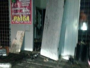В 8-м микрорайоне горел магазин на первом этаже жилого дома
