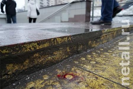Пенсионерка разбила голову при падении у подземного перехода в 9-м микрорайоне