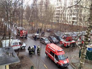 Семья с детьми спаслась из горящей квартиры в 4-м микрорайоне