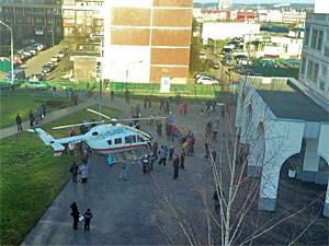 Из-за распыленного газа к школе №1151 вызвали вертолет МЧС