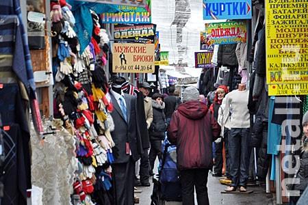 Свыше 700 пар контрафактных кроссовок изъяли на зеленоградском рынке