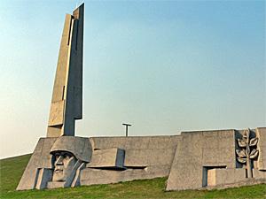 Монумент «Штыки» полностью отреставрируют к 2017 году