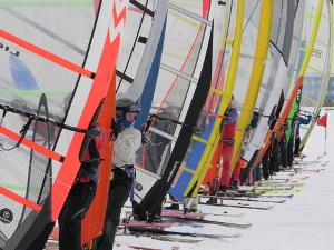 Уикенд 4 и 5 февраля: «Красавец — мужчина», Чемпионат и Первенство России по зимнему виндсерфингу, Московская лыжня — 2012