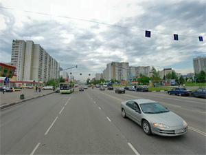 Отбойник на улице Логвиненко установят в 2012 году