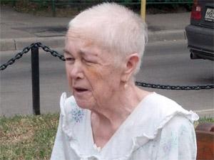 Прохожие нашли в 8-м микрорайоне потерявшуюся пенсионерку