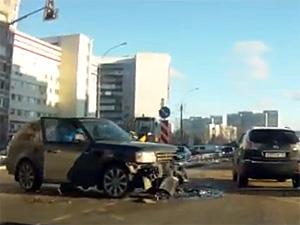 В аварии на перекрестке у 14-го района пострадала женщина