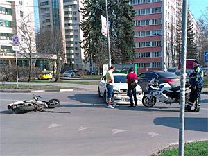 На Яблоневой аллее разбился мотоциклист
