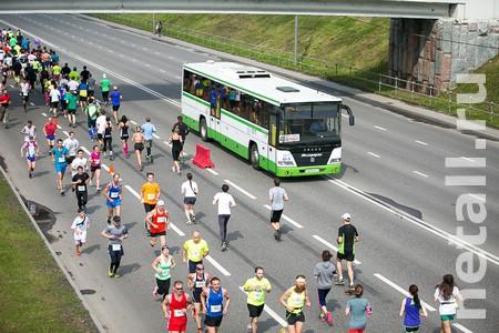 На время полумарафона изменят маршруты автобусов и ограничат движение