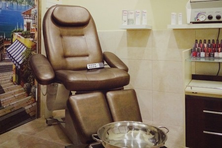 В салоне красоты «Кудри» действует весенняя акция на педикюр