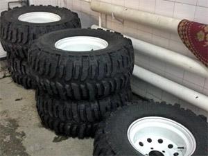 В Подмосковье нашли колеса от угнанного месяц назад тюнингованного УАЗа