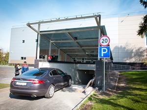 ТК «Панфиловский» ввел плату за парковку свыше трех часов