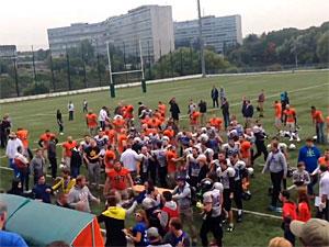 Финал чемпионата России по американскому футболу в Зеленограде завершился массовой дракой