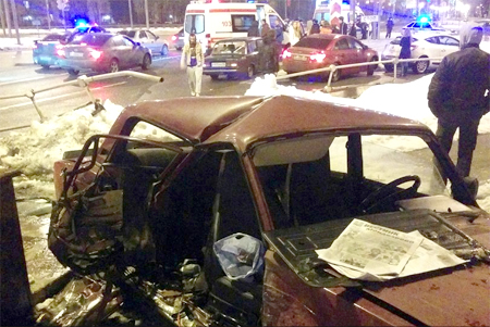 На перекрестке у ТК «Панфиловский» полицейская машина протаранила «пятерку»