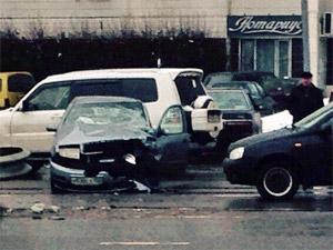 Водитель ушел с места ДТП после столкновения с отбойником