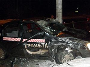 Возле «Эры» разбилось такси с двумя пассажирками